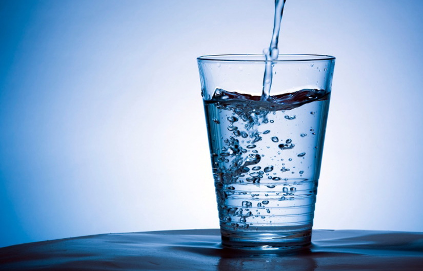 drinking-water-promotes-weight-loss